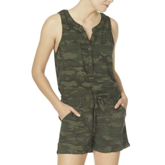 Anthropologie Pants - 🍃ANTHROPOLOGIE SANCTUARY CAMO HAZEL ROMPER